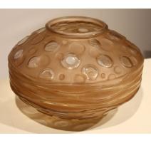 Vase en verre signé A. HUNEBELLE