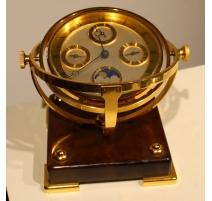 Pendule de table à 4 cadrans par Hour Lavigne