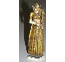"Statuette ""Femme indienne""."