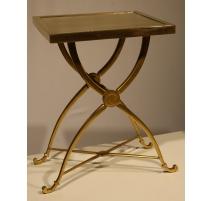 Petite table d'appoint en bronze doré