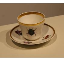 Tasse et sous-tasse en porcelaine Scarabée