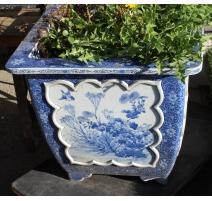 Cache-pot carré en porcelaine bleu-blanc (abimé)