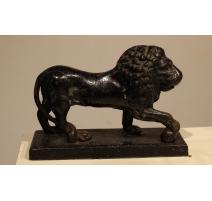 Lion en fonte