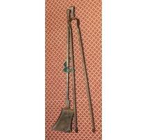 Pelle et pince de cheminée en fer forgé