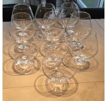 Suite de 9 verres à cognac