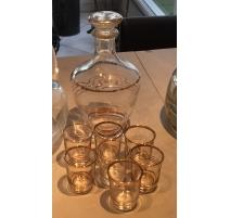 Carafe et 7 verres avec bordure dorée