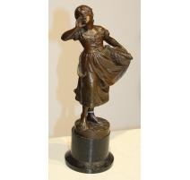 """Sculpture """"Poissonière"""" signée A. MAYER"""
