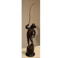 """Sculpture """"Pêcheur"""" signée A. MAYER"""
