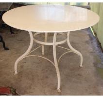 Table ronde de jardin en fer forgé blanc
