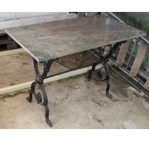Table de bistro pied en fonte et plateau marbre