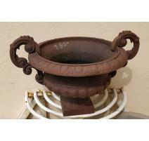 Petite Urne Medicis basse en fonte brun, avec anse