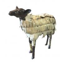 Mouton en tôle recyclée