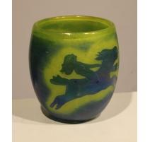 Vase en verre jaune signé JOUMANI
