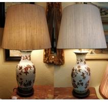 Paire de vases chinois montés en lampes