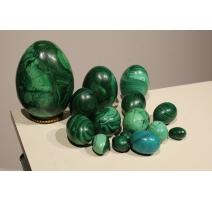 Collection de 15 oeufs en malachite