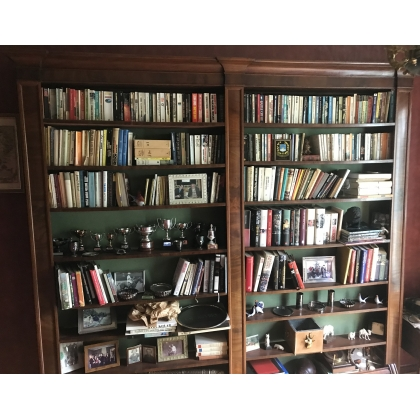 Grande bibliothèque ouverte en acajou