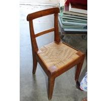 Chaise d'enfant assise paillée