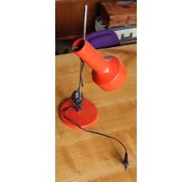 Lampe vintage en métal rouge