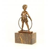 """Bronze """"Fillette à l'arceau"""", socle en marbre"""