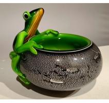Coupe en verre à la grenouille