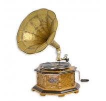 Gramophone octogonal
