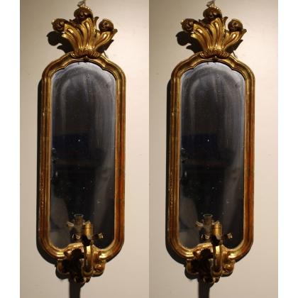 Paire d'appliques-miroir Bernoises dorées