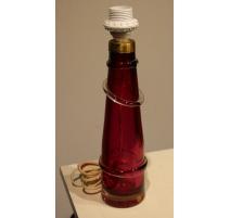 Lampe en verre rouge signée ORRESFORS RD 1304