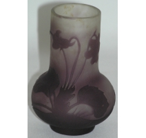 Vase bulbe de GALLÉ.