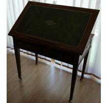 Table Tronchin Directoire en acajou, dessus cuir