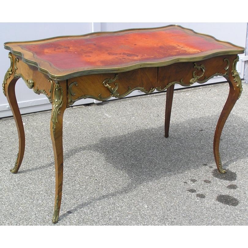 petit bureau plat napol on iii dessus cuir rouge sur moinat sa antiquit s d coration. Black Bedroom Furniture Sets. Home Design Ideas