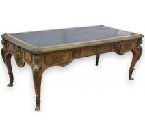 Régence writing table based on