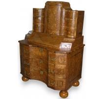 Bureau-commode Baroque.