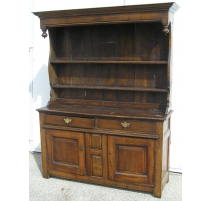 Buffet, with 2 doors and 2 drawers.