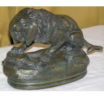 "Bronze ""Lion sitting and doe"" signed BARYE"