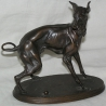 "Bronze ""Chien Whippet"", signé."