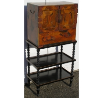 Cabinet with two doors, one dr