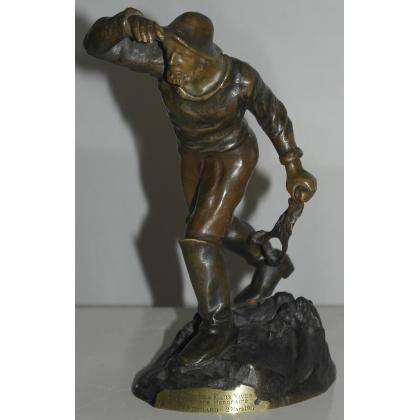 """Sculpture """"Le marin"""", signée BOFILL."""