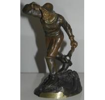 Sculpture  Le marin , signée BOFILL.