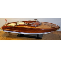 Model boat of RIVARAMA 44