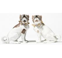 """Paire de chiens """"Carlins"""", en porcelaine de Dresde"""