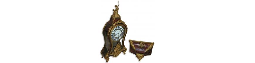Pendules, Vitrines à horloge